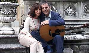 George Pictured With His Wife Olivia Harrison Passed Away The Afternoon Of Nov29 2001 In Los Angeles To Send Cards Family Them C O